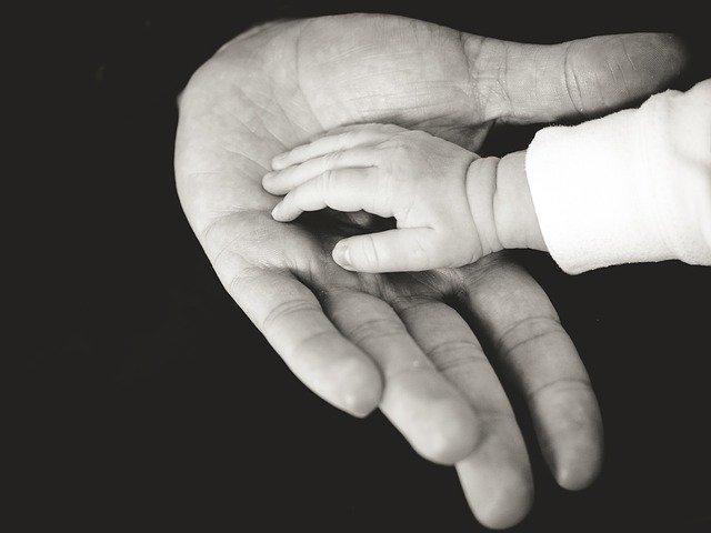 massage bébé shantala somatothérapie massage en famille